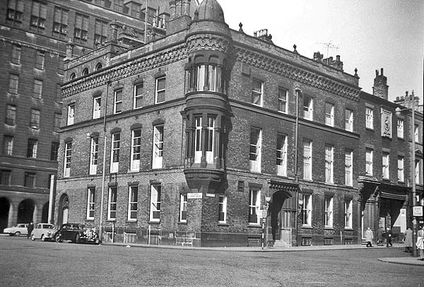 Mosley Street Newcastle, the first street to use electrical lights