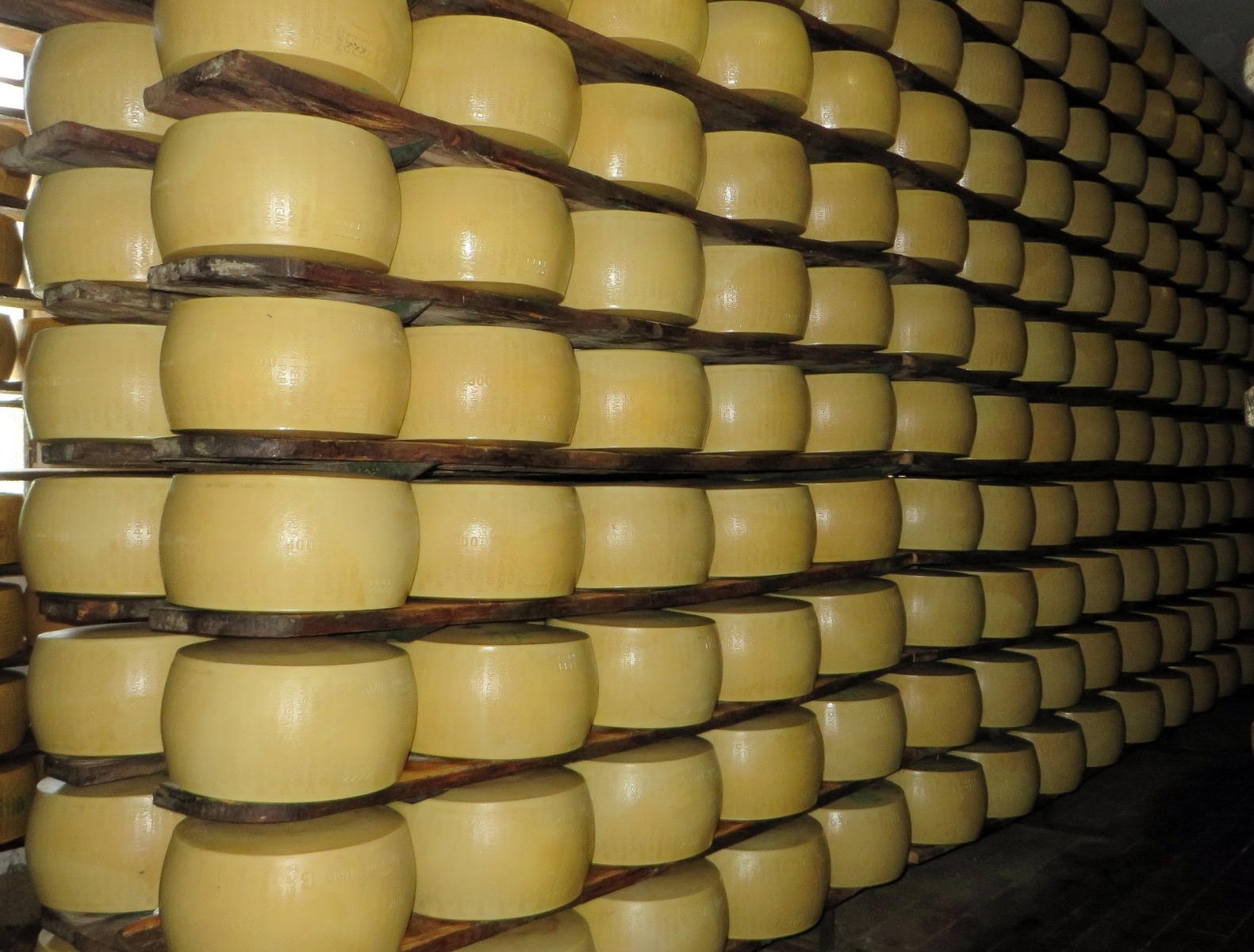 Cheese can create an electrical current